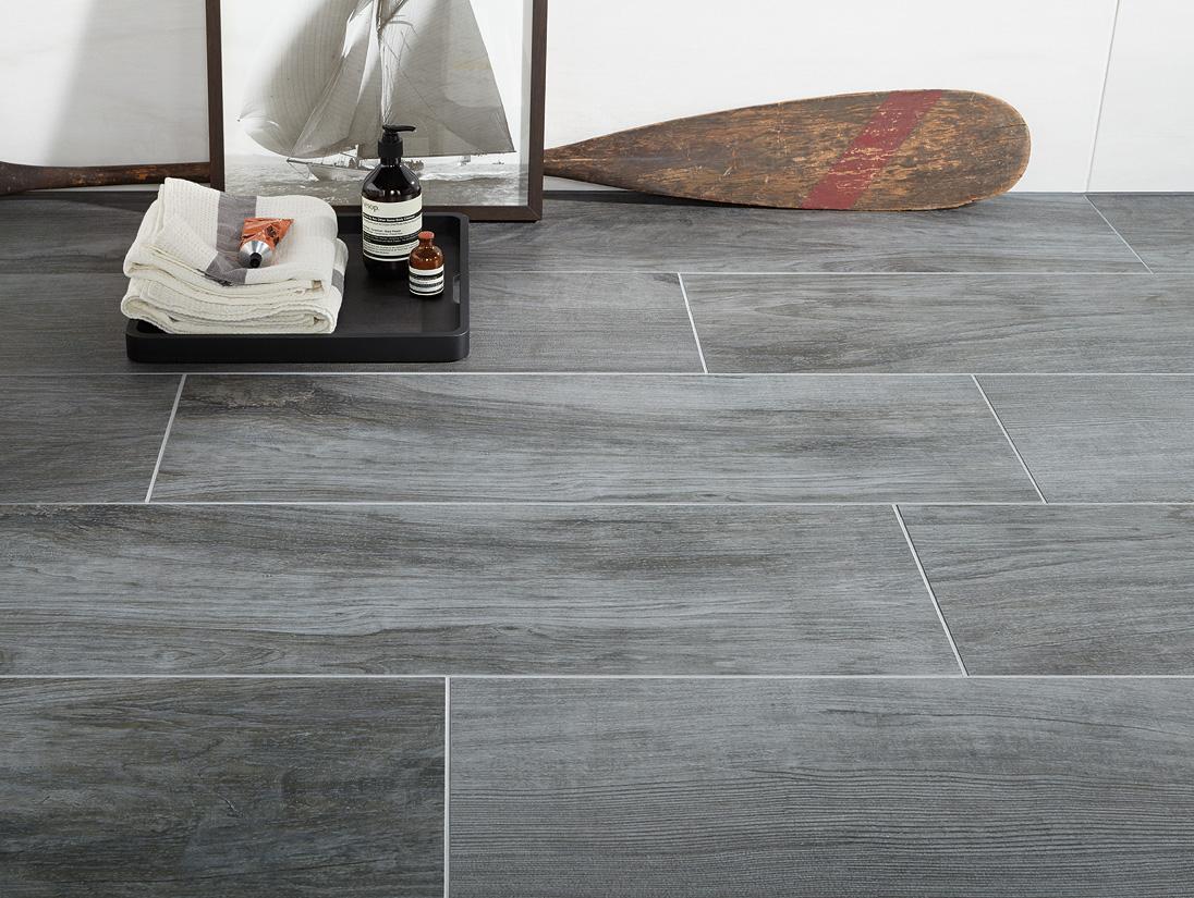 Fliese Holzoptik Grau ~ Die Neuesten Innenarchitekturideen Fliesen Holzoptik Grau